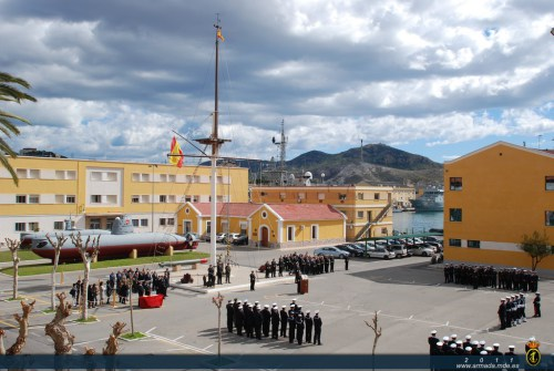 FOCA Y TIBURON DURANTE CENTENARIO ARMA SUBMARINA